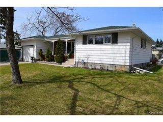 Photo 2: 109 Columbus Crescent in Winnipeg: Westwood Residential for sale (5G)  : MLS®# 1709489