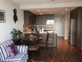 Photo 9: 1605 125 COLUMBIA STREET in New Westminster: Downtown NW Condo for sale : MLS®# R2177388