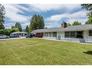 Photo 3: 22083 LOUGHEED Highway in Maple Ridge: West Central House for sale : MLS®# R2187987