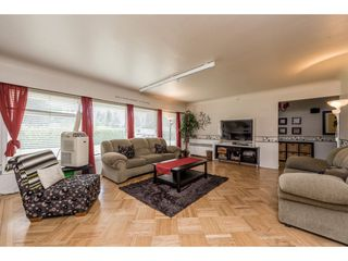 Photo 5: 22083 LOUGHEED Highway in Maple Ridge: West Central House for sale : MLS®# R2187987