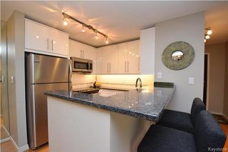 Photo 8: 122 Portsmouth Boulevard in Winnipeg: Tuxedo Condominium for sale (1E)  : MLS®# 1723061