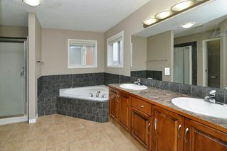 Photo 11: 151 SADDLECREST Gardens NE in Calgary: Saddle Ridge House for sale : MLS®# C4138096