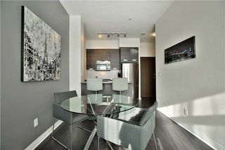 Photo 8: 303 75 W Eglinton Avenue in Mississauga: Hurontario Condo for sale : MLS®# W3981219