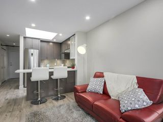 """Photo 11: 401 688 E 16TH Avenue in Vancouver: Fraser VE Condo for sale in """"VINTAGE EASTSIDE"""" (Vancouver East)  : MLS®# R2223422"""