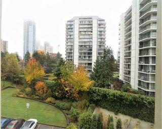 """Photo 1: 508 4105 MAYWOOD Street in Burnaby: Metrotown Condo for sale in """"TIMES SQUARE"""" (Burnaby South)  : MLS®# R2224151"""