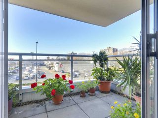 "Photo 18: 301 1978 VINE Street in Vancouver: Kitsilano Condo for sale in ""CAPERS BUILDING"" (Vancouver West)  : MLS®# R2224832"