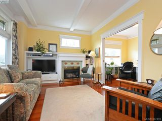 Photo 2: 608 Harbinger Avenue in VICTORIA: Vi Fairfield East Townhouse for sale (Victoria)  : MLS®# 387416