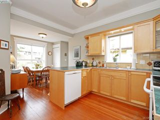 Photo 10: 608 Harbinger Avenue in VICTORIA: Vi Fairfield East Townhouse for sale (Victoria)  : MLS®# 387416