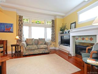 Photo 3: 608 Harbinger Avenue in VICTORIA: Vi Fairfield East Townhouse for sale (Victoria)  : MLS®# 387416