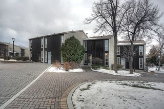 Photo 2: 102 1 Snow Street in Winnipeg: University Heights Townhouse for sale (1K)  : MLS®# 1730024