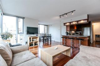 """Photo 3: 1603 1188 RICHARDS Street in Vancouver: Yaletown Condo for sale in """"PARK PLAZA"""" (Vancouver West)  : MLS®# R2240525"""