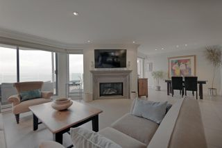 """Photo 6: 103 2190 ARGYLE Avenue in West Vancouver: Dundarave Condo for sale in """"Argyle Place"""" : MLS®# R2252280"""