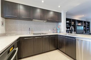 """Photo 10: 103 2190 ARGYLE Avenue in West Vancouver: Dundarave Condo for sale in """"Argyle Place"""" : MLS®# R2252280"""