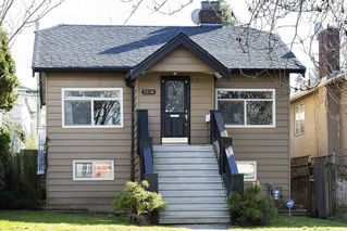 Main Photo: 2576 E 28TH Avenue in Vancouver: Collingwood VE House for sale (Vancouver East)  : MLS®# R2265530