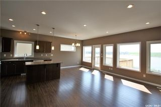 Photo 5: 322 Langlois Way in Saskatoon: Stonebridge Residential for sale : MLS®# SK732343