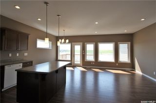 Photo 4: 322 Langlois Way in Saskatoon: Stonebridge Residential for sale : MLS®# SK732343