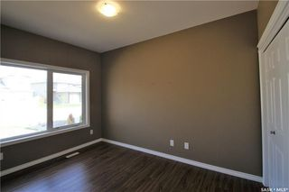 Photo 2: 322 Langlois Way in Saskatoon: Stonebridge Residential for sale : MLS®# SK732343