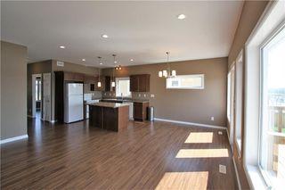 Photo 7: 322 Langlois Way in Saskatoon: Stonebridge Residential for sale : MLS®# SK732343