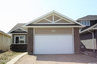 Photo 1: 322 Langlois Way in Saskatoon: Stonebridge Residential for sale : MLS®# SK732343