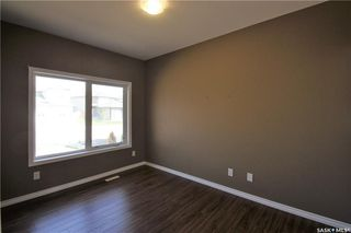 Photo 3: 322 Langlois Way in Saskatoon: Stonebridge Residential for sale : MLS®# SK732343