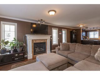 "Photo 9: 4 6238 192 Street in Surrey: Cloverdale BC Townhouse for sale in ""Bakerview Terrace"" (Cloverdale)  : MLS®# R2342921"