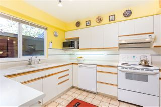 """Photo 6: 2627 FROMME Road in North Vancouver: Lynn Valley Townhouse for sale in """"Forestlynn"""" : MLS®# R2351501"""