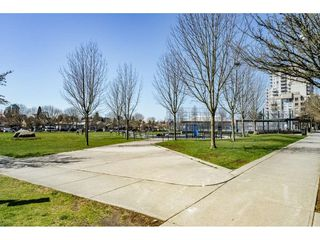 Photo 16: 406 3463 CROWLEY Drive in Vancouver: Collingwood VE Condo for sale (Vancouver East)  : MLS®# R2354061