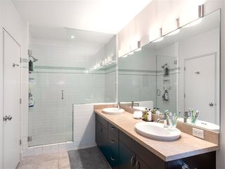 Photo 12: 1419 W 11TH Avenue in Vancouver: Fairview VW Townhouse for sale (Vancouver West)  : MLS®# R2359397