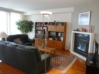 Photo 5: 301 8728 GATEWAY Boulevard in Edmonton: Zone 15 Condo for sale : MLS®# E4155190