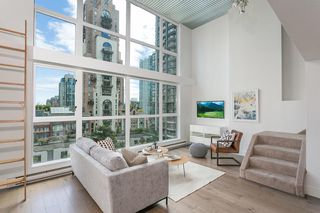 """Photo 1: 408 1238 SEYMOUR Street in Vancouver: Downtown VW Condo for sale in """"Space"""" (Vancouver West)  : MLS®# R2378878"""