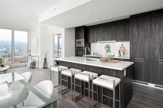 """Photo 7: 1810 285 E 10TH Avenue in Vancouver: Mount Pleasant VW Condo for sale in """"THE INDEPENDENT"""" (Vancouver West)  : MLS®# R2387588"""