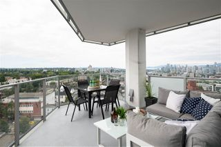 """Photo 4: 1810 285 E 10TH Avenue in Vancouver: Mount Pleasant VW Condo for sale in """"THE INDEPENDENT"""" (Vancouver West)  : MLS®# R2387588"""