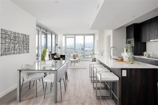 """Photo 11: 1810 285 E 10TH Avenue in Vancouver: Mount Pleasant VW Condo for sale in """"THE INDEPENDENT"""" (Vancouver West)  : MLS®# R2387588"""