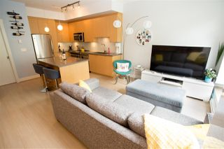 """Photo 5: 215 735 WEST 15TH Street in North Vancouver: Mosquito Creek Townhouse for sale in """"Seven 35"""" : MLS®# R2387259"""
