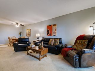 Photo 3: 205 1436 Harrison St in VICTORIA: Vi Downtown Condo for sale (Victoria)  : MLS®# 820345