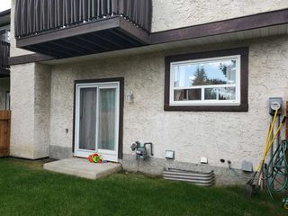 Photo 4: 2947 130 Avenue in Edmonton: Zone 35 Townhouse for sale : MLS®# E4172656