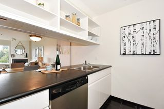"Photo 9: 219 3250 W BROADWAY Avenue in Vancouver: Kitsilano Condo for sale in ""WEST POINTE"" (Vancouver West)  : MLS®# R2404489"