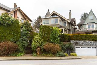 Photo 3: 2640 POINT GREY Road in Vancouver: Kitsilano Townhouse for sale (Vancouver West)  : MLS®# R2412070
