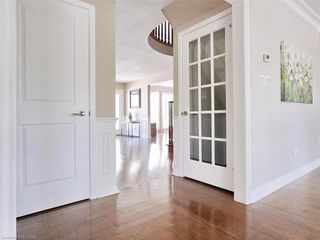 Photo 12: 34 GARDENVALE Crescent in London: South N Residential for sale (South)  : MLS®# 258059