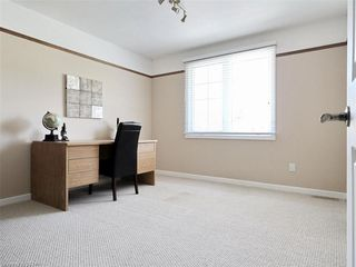 Photo 37: 34 GARDENVALE Crescent in London: South N Residential for sale (South)  : MLS®# 258059