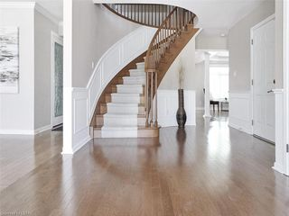 Photo 7: 34 GARDENVALE Crescent in London: South N Residential for sale (South)  : MLS®# 258059