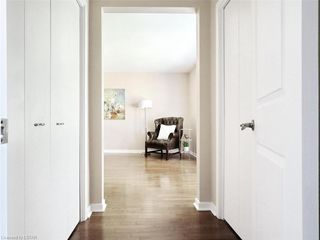 Photo 30: 34 GARDENVALE Crescent in London: South N Residential for sale (South)  : MLS®# 258059