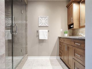 Photo 31: 34 GARDENVALE Crescent in London: South N Residential for sale (South)  : MLS®# 258059