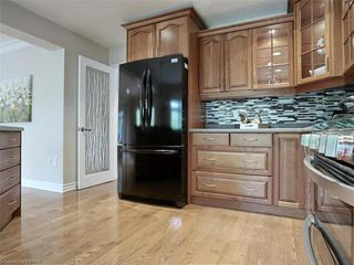 Photo 21: 34 GARDENVALE Crescent in London: South N Residential for sale (South)  : MLS®# 258059