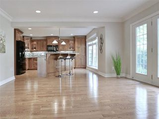 Photo 17: 34 GARDENVALE Crescent in London: South N Residential for sale (South)  : MLS®# 258059