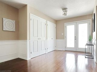 Photo 5: 34 GARDENVALE Crescent in London: South N Residential for sale (South)  : MLS®# 258059