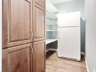 Photo 11: 34 GARDENVALE Crescent in London: South N Residential for sale (South)  : MLS®# 258059