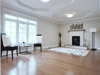 Photo 13: 34 GARDENVALE Crescent in London: South N Residential for sale (South)  : MLS®# 258059