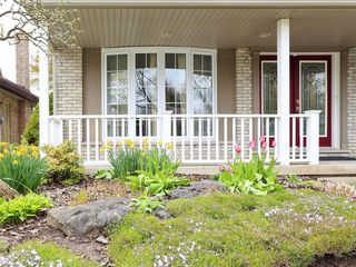 Photo 2: 34 GARDENVALE Crescent in London: South N Residential for sale (South)  : MLS®# 258059