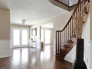 Photo 6: 34 GARDENVALE Crescent in London: South N Residential for sale (South)  : MLS®# 258059